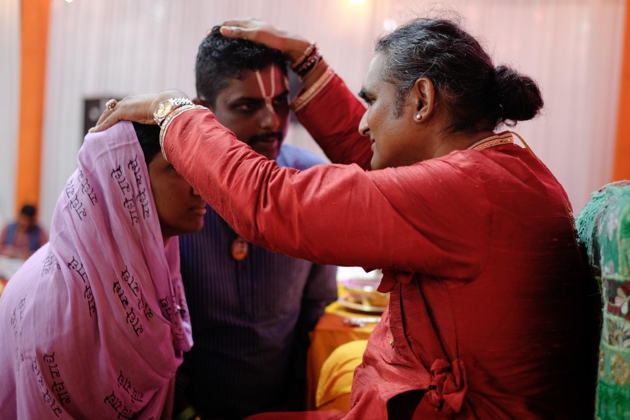 slider-10-darshan-paramahamsa-vishwananda